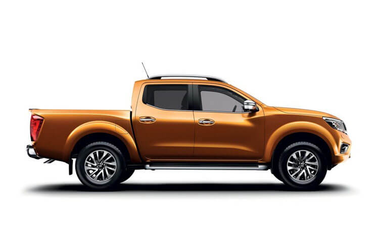 Nissan Navara PickUp King Cab 4wdS 2.3 dCi 4WS 163PS Acenta Pickup Double Cab Manual [Start Stop] back view