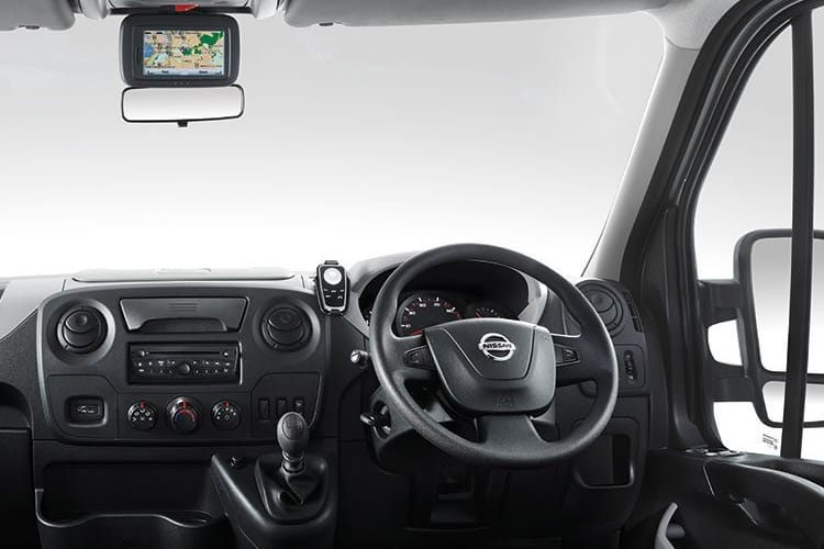 Nissan NV400 L3 35 FWD 2.3 dCi FWD 170PS SE Chassis Cab Manual [Start Stop] inside view