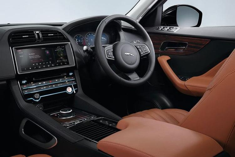 Jaguar F-PACE SUV 2.0 d 163PS R-Sport 5Dr Manual [Start Stop] inside view